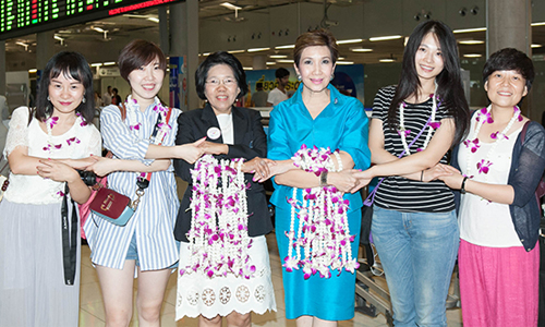 Womens-Journey-Thailand-Chinese-group-Chengdu-01-500.jpg