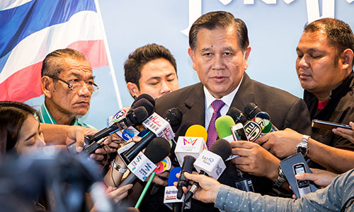 Deputy-Prime-Minister-General-Tanasak-Patimapragorn-at-TAT-meeting-3-500.jpg