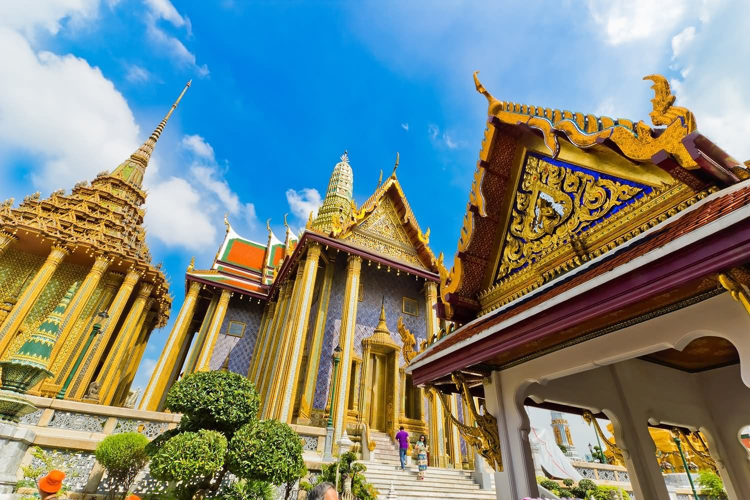 Beautiful-Architectural-Work-In-Grand-Palace.jpg